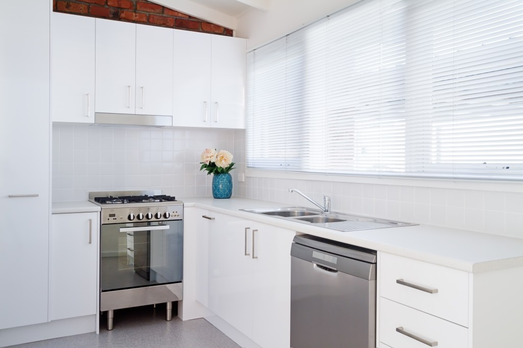 White Venetian Blinds - Perfect for kitchens